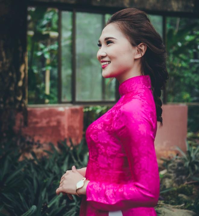 Top 10 Miss Bao chi khoe dang trong trang phuc ao dai hinh anh 3