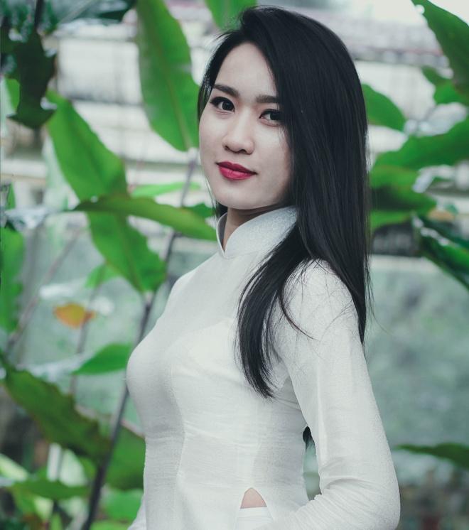 Top 10 Miss Bao chi khoe dang trong trang phuc ao dai hinh anh 6