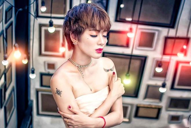 Hot girl BB&BG dung dau vong Vietnam's Next Top Model online hinh anh