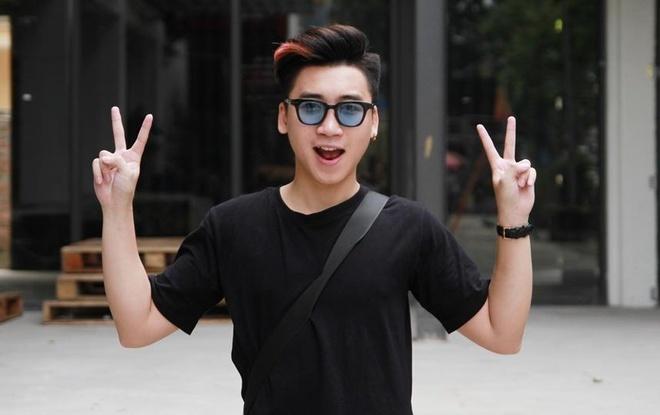Vlog 'Dai hoc khong phai con duong thanh cong duy nhat' cua Huy Cung hinh anh