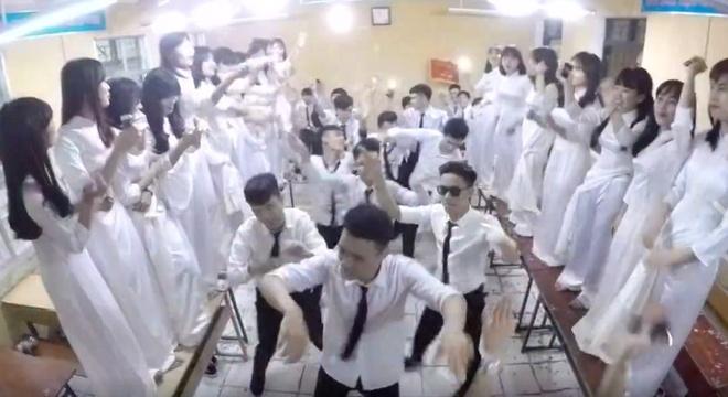 Teen Ha Noi quay tung bung trong clip ky yeu hinh anh