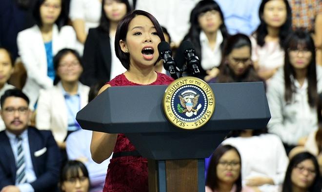 Ong Obama nhat dinh ky ten vao bai phat bieu cua MC Viet hinh anh