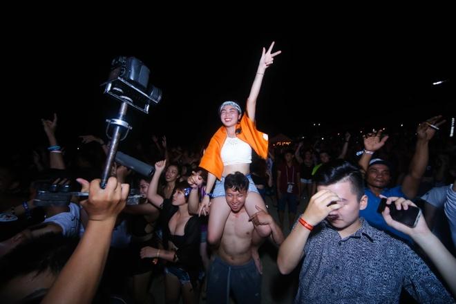 Nu DJ Top 4 EDM Viet Nam khuay dao khan gia Vung Tau hinh anh 3