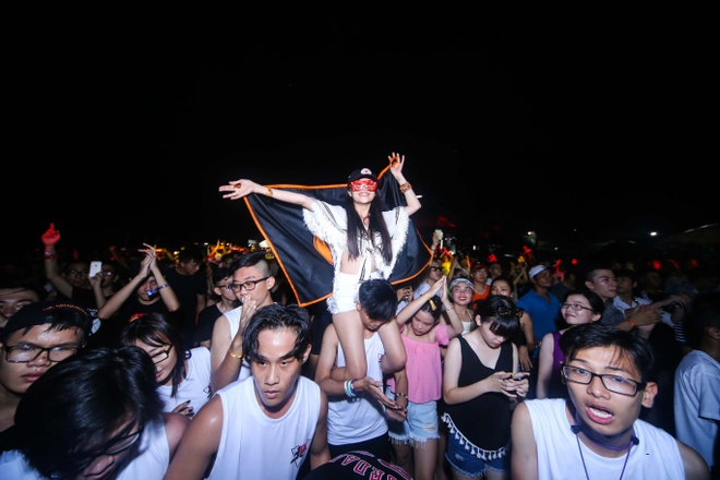 Nu DJ Top 4 EDM Viet Nam khuay dao khan gia Vung Tau hinh anh 4