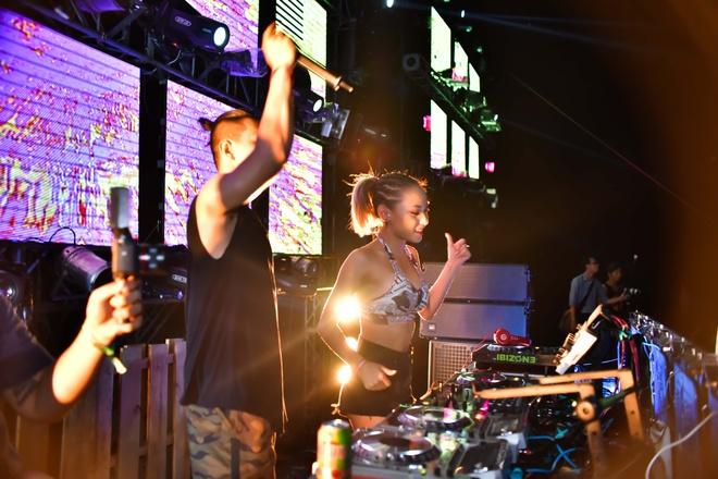 Nu DJ Top 4 EDM Viet Nam khuay dao khan gia Vung Tau hinh anh 7