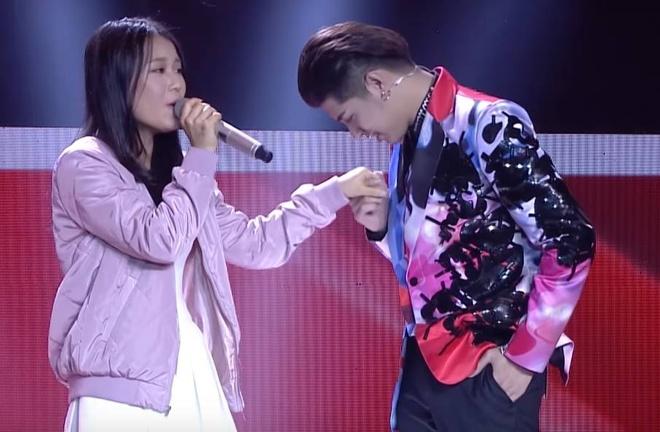 Co gai Han Quoc hat nhac Big Bang tai The Voice hinh anh