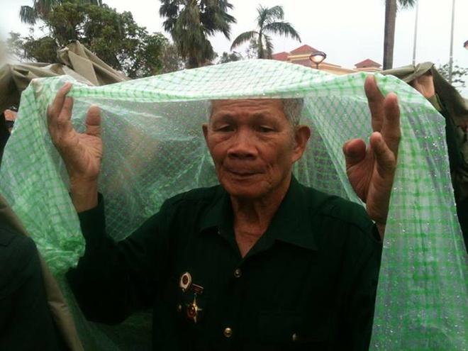 Nguoi Ha Noi doi nang, Quang Binh doi mua vieng Dai tuong hinh anh 14