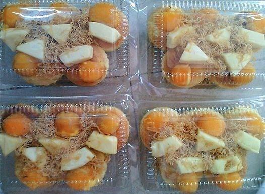 Mon bong lan trung muoi pho mai 'hut hon' gioi tre hinh anh 4 Phô mai dẻo xốp nó giúp bánh béo ngậy và hấp dẫn hơn hẳn.
