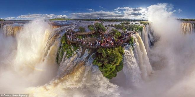 Man nhan voi nhung hinh anh tu tren cao cua cac thanh pho hinh anh 5 Sự kỳ vĩ của thác Iguasu ở Argentina.