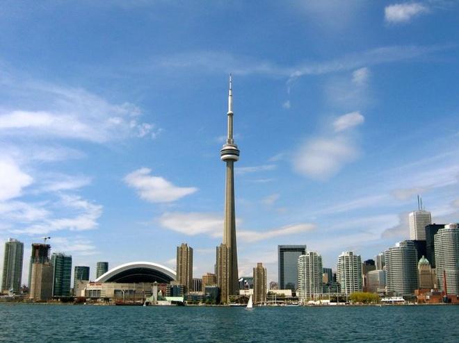 10 thap truyen hinh cao nhat the gioi hinh anh 3 Tháp CN, Toronto, Canada cao 553,3m, khánh thành năm 1976 - Ảnh: travelthee.com.