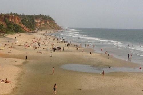 Nhung bai bien den ky la tren the gioi hinh anh 3 3. Biển Thiruvambadi , Ấn Độ: Varkala như một viên ngọc bí ẩn và ít được biết đến vì vậy nơi đây vẫn còn những vẻ của vùng biển hoang sơ.