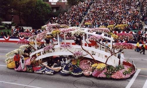 8 le hoi hoa tuyet dep tren the gioi hinh anh 6 Lễ hội hoa hồng tại Pasadena, California, Mỹ: Lễ hội hoa hồng được tổ chức hằng năm tại Pasadena, California, Mỹ, là một trong những lễ hội hoa nổi tiếng nhất thế giới. Sự kiện được tổ chức lần đầu tiên vào năm 1890.Tại lễ hội, nhiều cuộc thi và chương trình âm nhạc hấp dẫn cũng diễn ra.