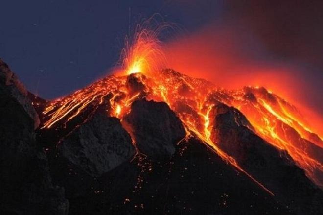 Chiem nguong ve dep cua vuon quoc gia nui lua Hawaii hinh anh 5 Núi lửa Kilauea thuộc Vườn quốc gia núi lửa Hawaii đã phun trào liên tục kể từ năm 1983 đến nay. Ảnh: Hpr.