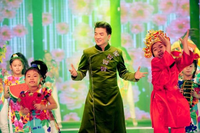 Doan Trang dien vay lum xum che bung bau hinh anh 5