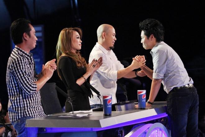 Phat hien thi sinh Idol co luong vote tang dot bien hinh anh