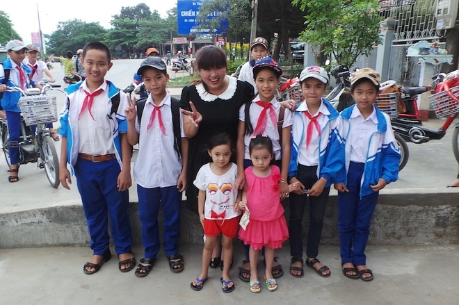 Minh Thuy Idol duoc khan gia que nha to chuc liveshow hinh anh 2