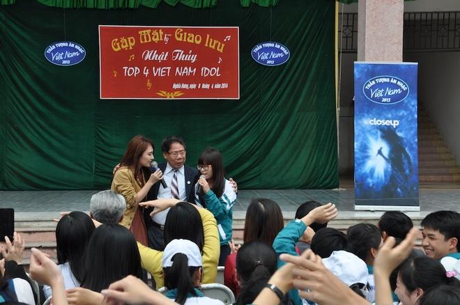 Minh Thuy Idol duoc khan gia que nha to chuc liveshow hinh anh 14