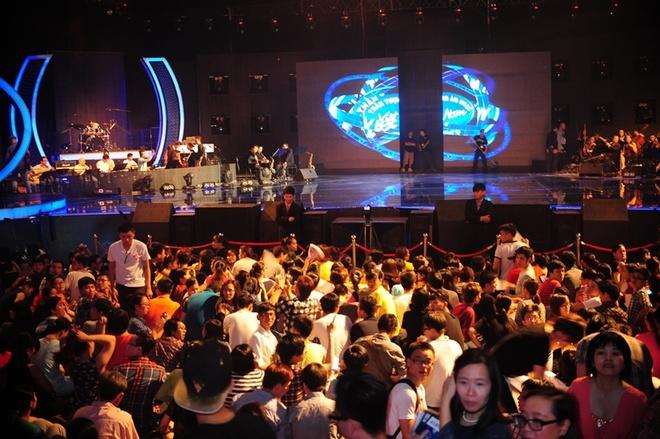 Nhat Thuy tro thanh quan quan Vietnam Idol hinh anh 4