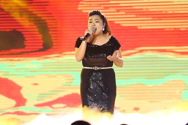Nhat Thuy tro thanh quan quan Vietnam Idol hinh anh 17