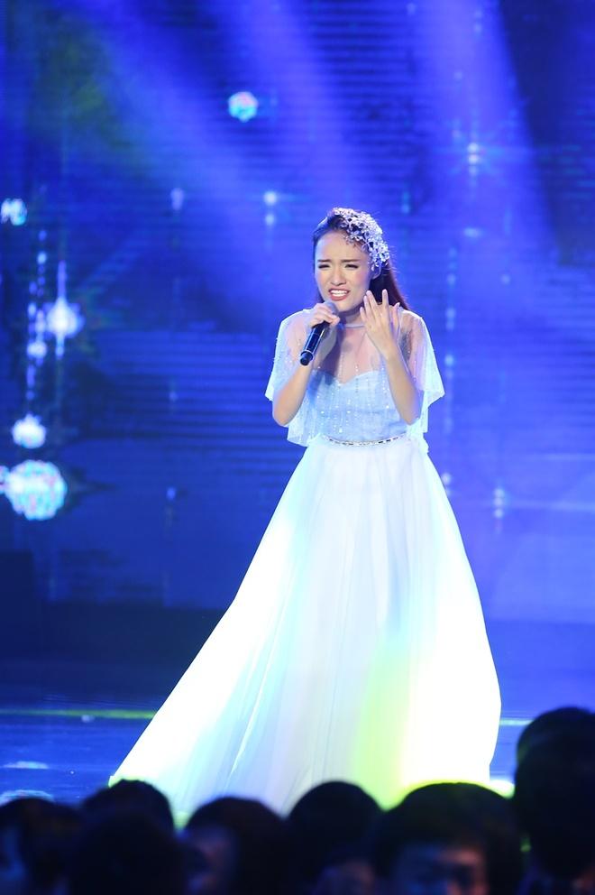 Nhat Thuy tro thanh quan quan Vietnam Idol hinh anh 19