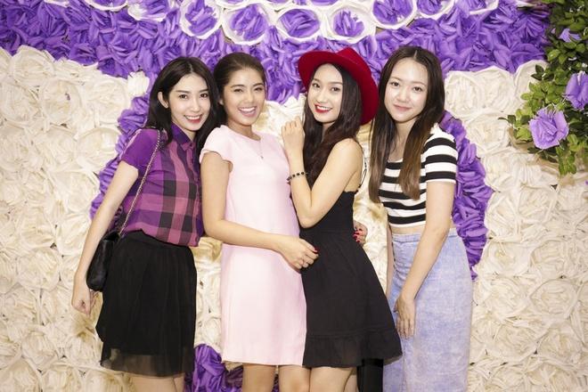 Minh Hang goi cam tham gia Gala nhac Viet hinh anh 13 Khổng Tú Quỳnh, Đàm Phương Linh, Cao Mỹ Kim và Băng Di.