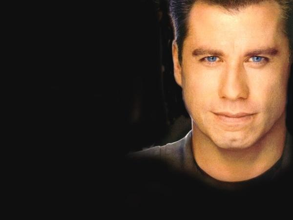 Su co 'muoi mat' cua sao Hollywood tren song truc tiep hinh anh 11 Trong lễ trao giải Oscar 2014, ngôi sao John Travolta đã giới thiệu ca sĩ thể hiện bài hát
