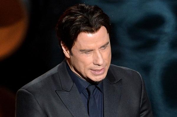 Su co 'muoi mat' cua sao Hollywood tren song truc tiep hinh anh 12 Ngay sau đó, một tài khoản Twitter có tên @adeladazeem nhại lại lùm xùm này có hơn 16 nghìn người theo dõi. Travolta cũng nhận ra sự hớ hênh của minh và lên tiếng giải thích ngay sau đó