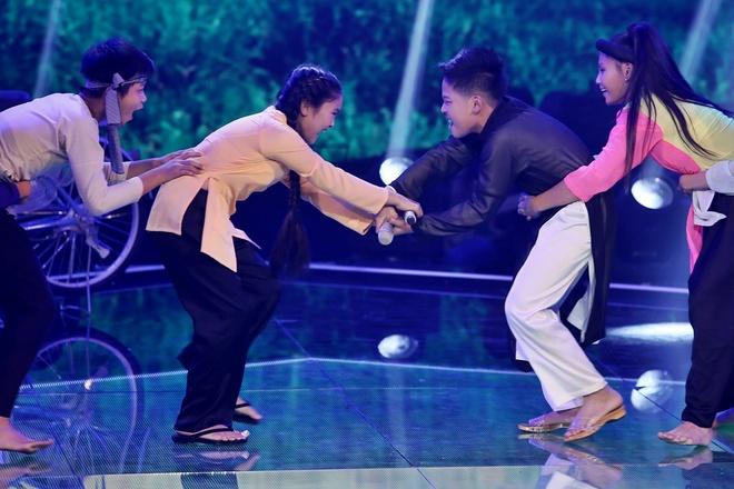 Thi sinh Vietnam Idol Kids bi nghi noi doi, khai gian tuoi hinh anh 3