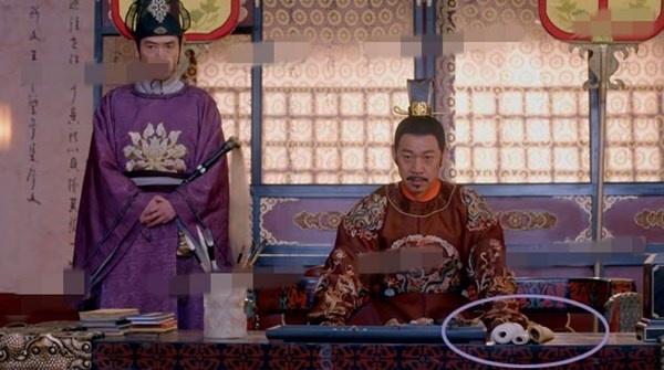 Nhat san phim ve Vo Tac Thien cua Pham Bang Bang hinh anh 13 Những quyển sách trên bàn của hoàng đế Lý Thế Dân (Trương Phong Nghị)...