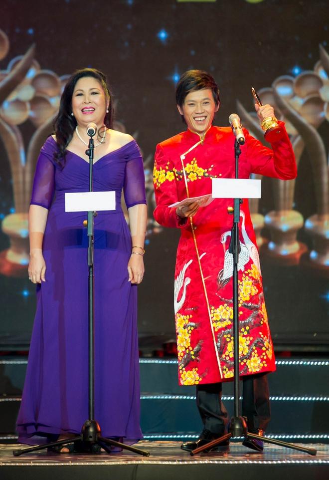 Hoai Linh, Thien Nhan lap cu dup tai giai Mai Vang hinh anh 1