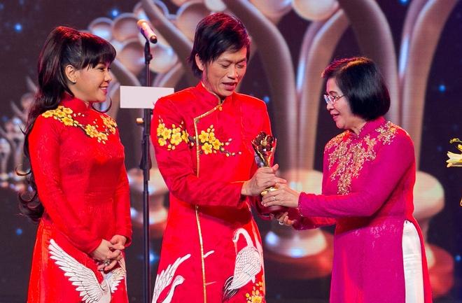 Hoai Linh, Thien Nhan lap cu dup tai giai Mai Vang hinh anh 2