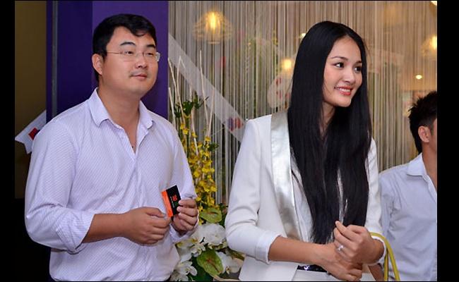 7 mau Viet xinh dep tim 'ben do' ben chong ngoai hinh anh 5  Hoa hậu Hương Giang cũng là một người đẹp tìm kiếm hạnh phúc của đời mình bên người chồng ngoại quốc.