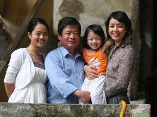 Gia đình hạnh phúc của nhạc sĩ Đỗ Hồng Quân.