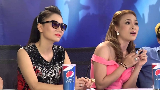 Mo xe do nong cua Thu Minh khi thay My Tam o Vietnam Idol hinh anh