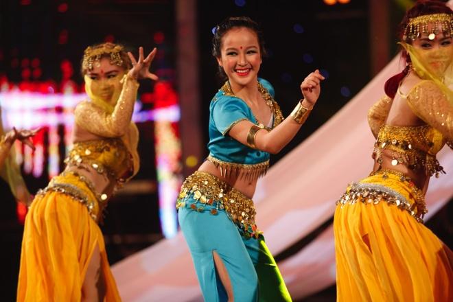 'My nhan' 12 tuoi khien Huy Tuan da mat, da tai hinh anh