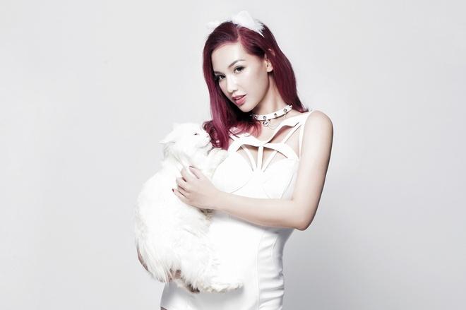 Quynh Chi hoa meo trong single 'Hoy di nha' hinh anh