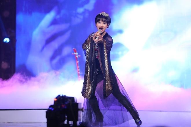 Viet Huong nhay vu dieu cong chieng cua Toc Tien hinh anh 14 rang Nhung hát Không thể và có thể đầy ma mị.