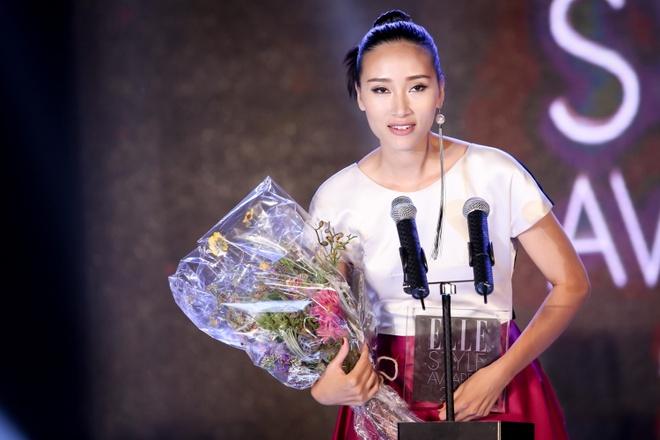 Với những nổ lực cá nhân, Trang Khiếu được vinh danh Biểu tượng thời trang của năm.