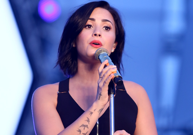 Demi Lovato xinh dep di tong duyet cung sao Viet hinh anh