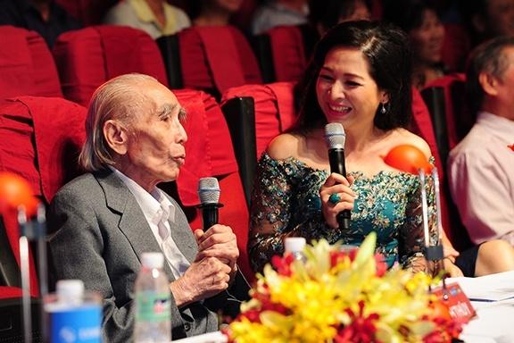 Nhac si Phan Huynh Dieu lam giam khao o tuoi 91 hinh anh