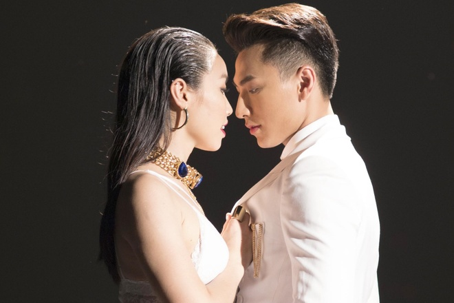 Isaac khoe ve dien trai trong MV solo hinh anh