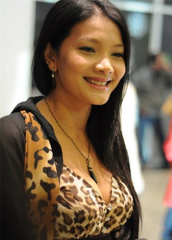 My nhan man anh co phan doi dau kho hon ca vai dien hinh anh 2 Năm 17 tuổi, Kiều Trinh đã lấy chồng. Một năm sau, cô mang thai.