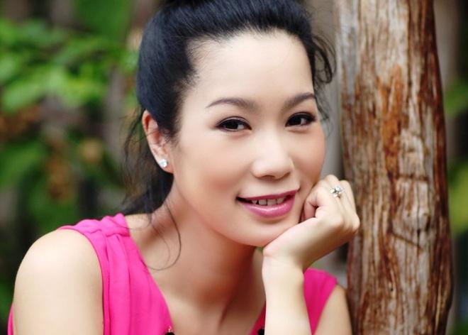 Trinh Kim Chi lay lai voc dang sau 20 ngay sinh con hinh anh