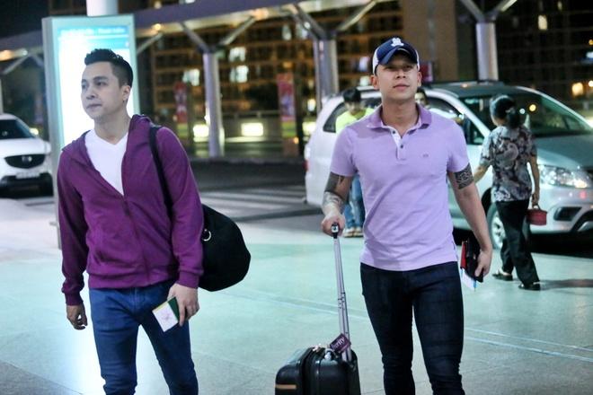 Le Hoang (The Men) bay show khi ban gai vua sinh con hinh anh 1 s