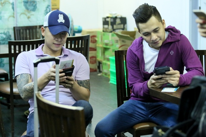 Le Hoang (The Men) bay show khi ban gai vua sinh con hinh anh 9 s
