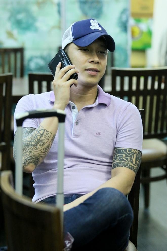 Le Hoang (The Men) bay show khi ban gai vua sinh con hinh anh 10 s