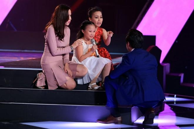 'Thuy Chi nhi' 9 tuoi khien HLV The Voice Kids boi roi hinh anh 2