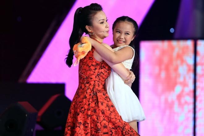 'Thuy Chi nhi' 9 tuoi khien HLV The Voice Kids boi roi hinh anh 3