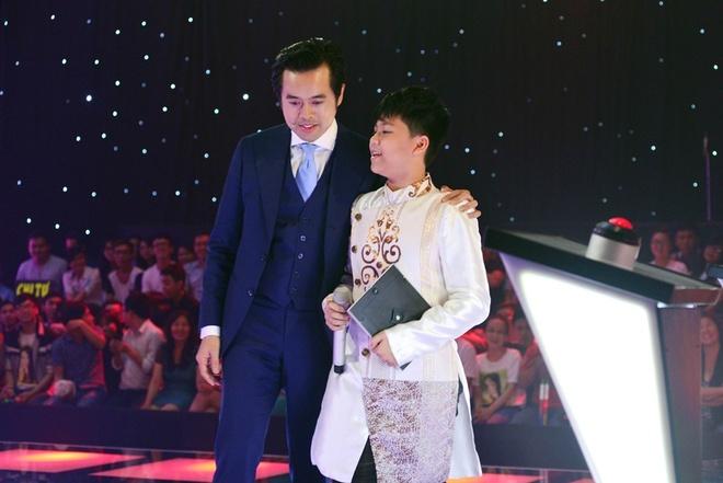 """Duong Khac Linh tiep tuc 'tung chieu"""" du do thi sinh hinh anh 2"""