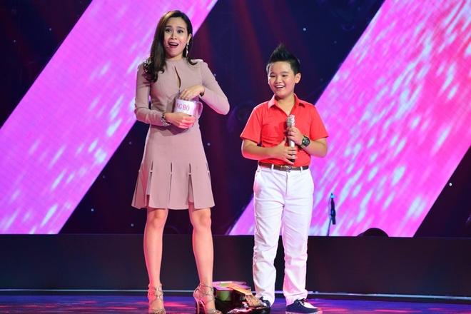 """Duong Khac Linh tiep tuc 'tung chieu"""" du do thi sinh hinh anh 8"""